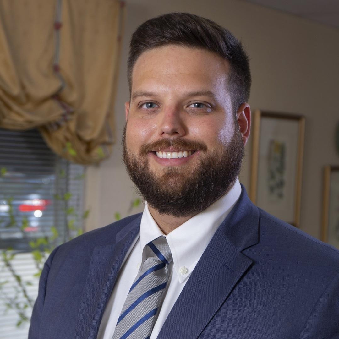 Paducah Dentist Dr. Ethan Shelton